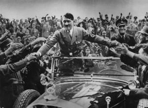 Hitler propaganda totalitaria