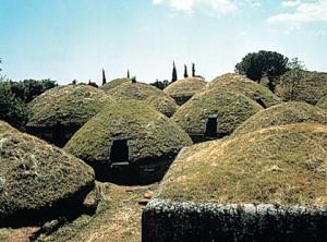 tombe etrusche a Cerveteri ( struttura esterna)
