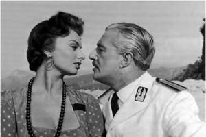"""Sophia Loren e Vittorio De Sica in una scena del film """"Pane, amore e.."""""""