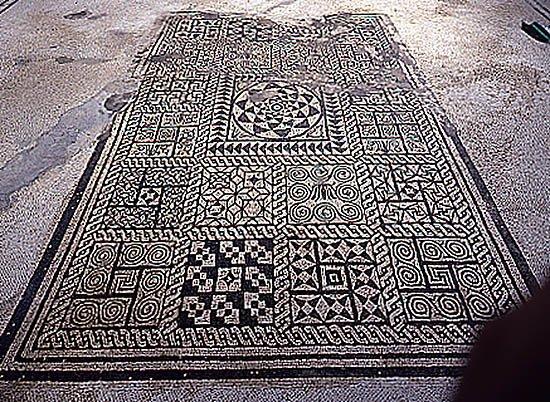 Svastica l 39 origine di un simbolo antico lacooltura for Piani casa del cortile
