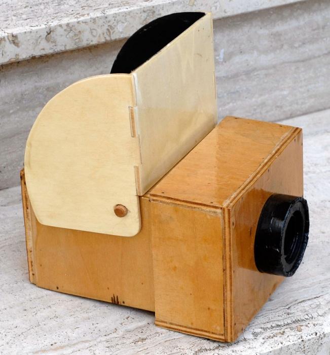Storia della fotografia la camera oscura lacooltura for Grande planimetria della camera singola storia