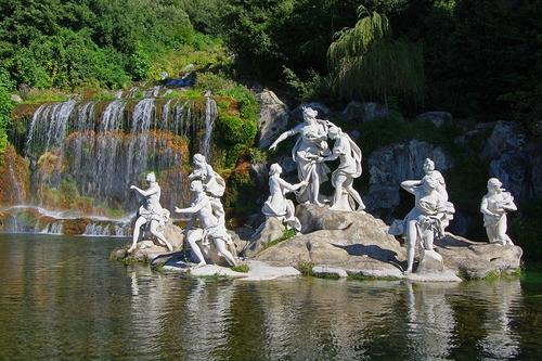 I giardini le fontane e le cascate della reggia di caserta lacooltura - Il bagno di diana klossowski ...