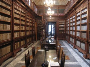 biblioteca benedettina Cava de' tirreni