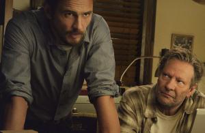 Jake Epping e Al Templeton, interpretati da James Franco e Chris Cooper, nella parte iniziale della prima puntata. Al deve convincere Jake a salvare Kennedy...