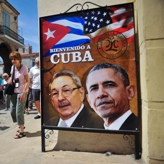 Cartello di benvenuto a Cuba