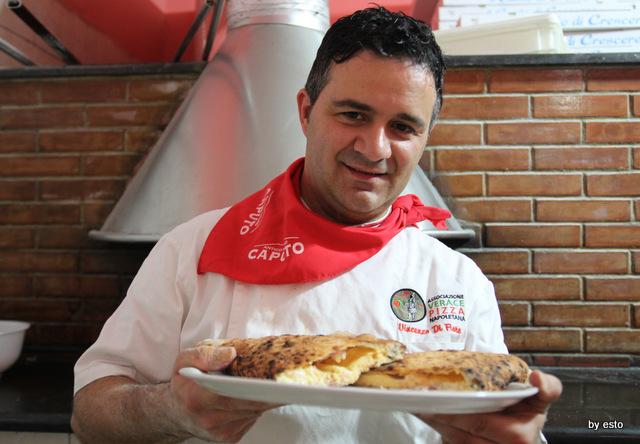Vincenzo Di Fiore, pizzaiolo della Pizzeria Bella Napoli ad Acerra. Photo by Tommaso Esposito