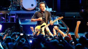 "alt=""Bruce Springsteen"""