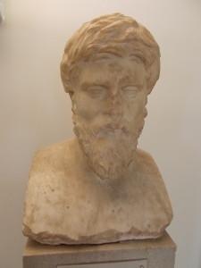 BUSTO DI PLUTARCO MUSEO ARCHEOLOGICO DI DELFI AUTORE DEI MORALIA