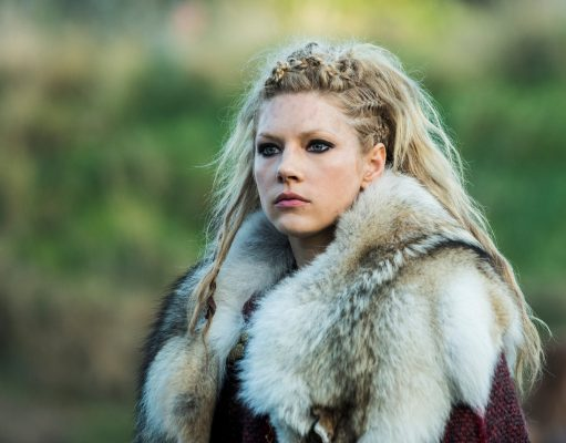 lagertha-vikings-katheryn-winnik