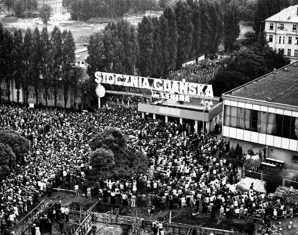 I manifestanti  di Solidarnosc nei cantieri navali di Danzica