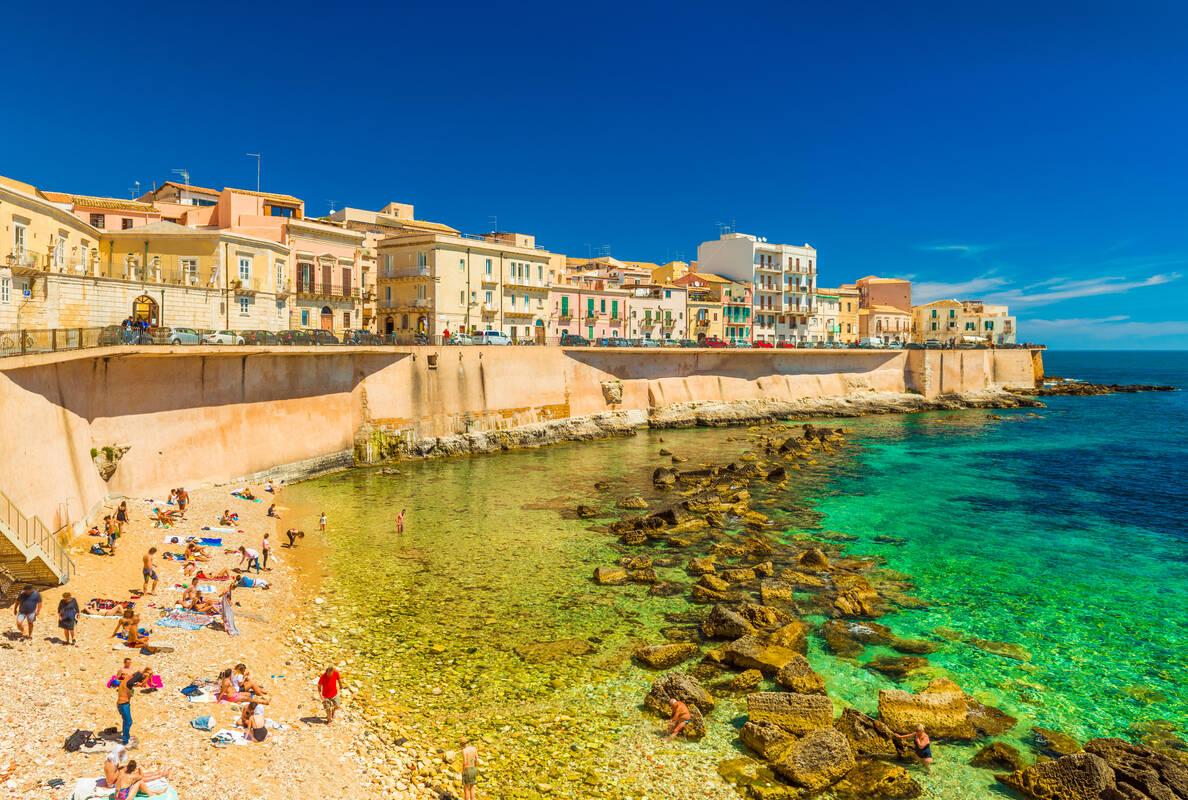 Cosa Vedere nella Sicilia Orientale -   fonte://viatioga.nl/